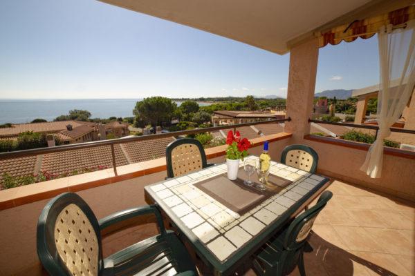Porto Corallo: vista mare e veranda esempio - residence sardegna