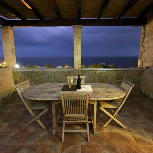 veranda vista notturna - villa corallo vacanze