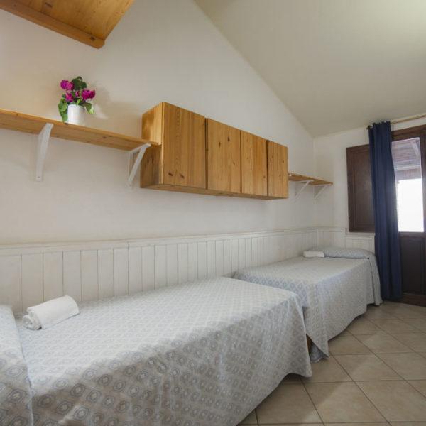 corallo vacanze quadrilocale - camera con letti singoli: esempio